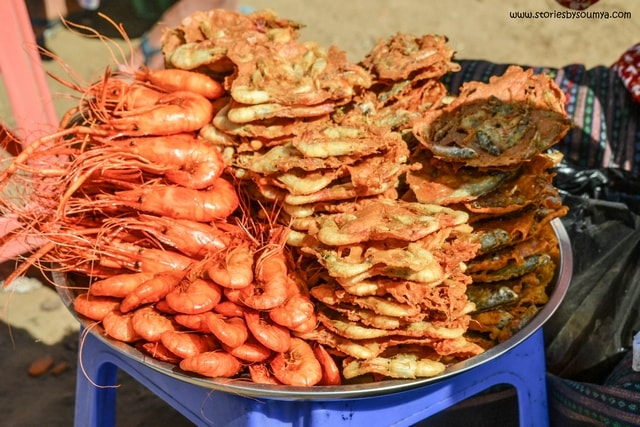 Deep Fried Shrimps in Bagan | Myanmar Traditional Food | Must-try dishes of Burmese Cuisine | Stories by Soumya