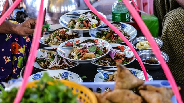 Getting ready for some Samosa Thoke | Myanmar Traditional Food | Must-try dishes of Burmese Cuisine | Stories by Soumya